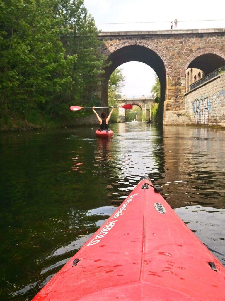 Kanoën op het Karl-Heine-Kanal in Leipzig