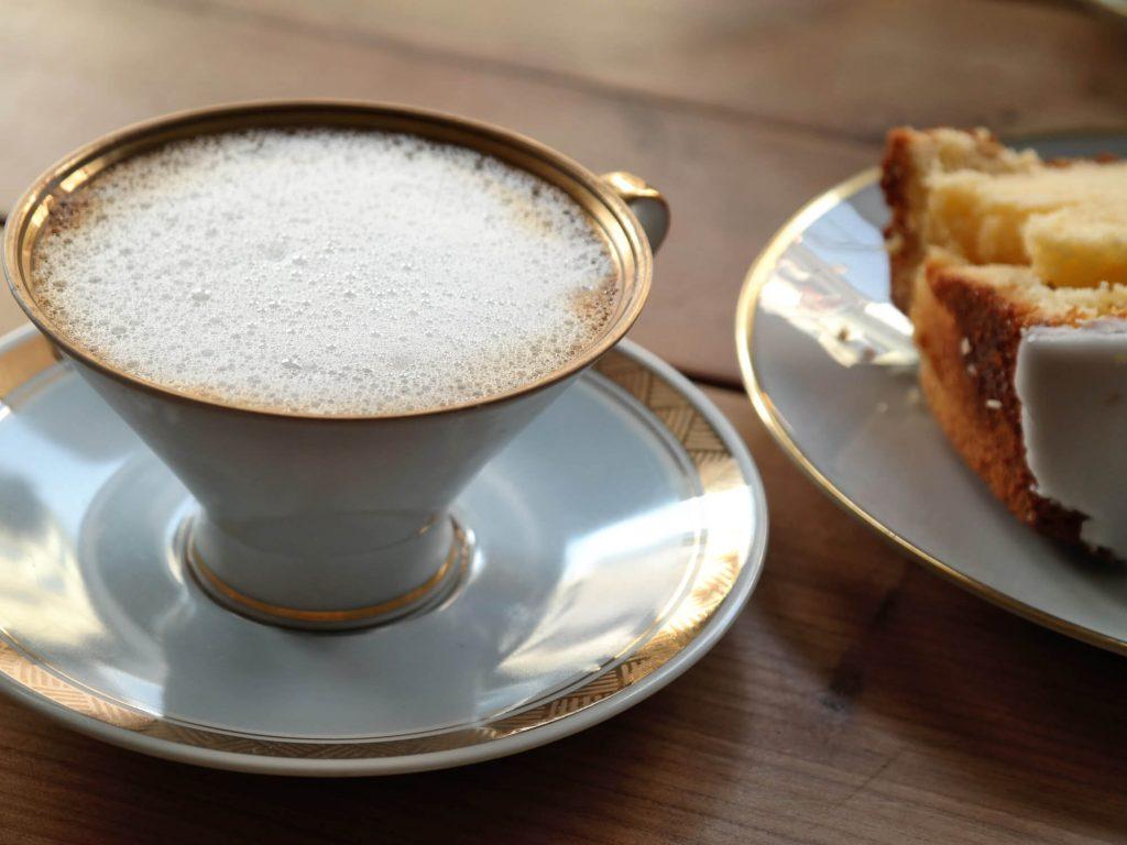 Koffie en taart bij Café Kater in Leipzig