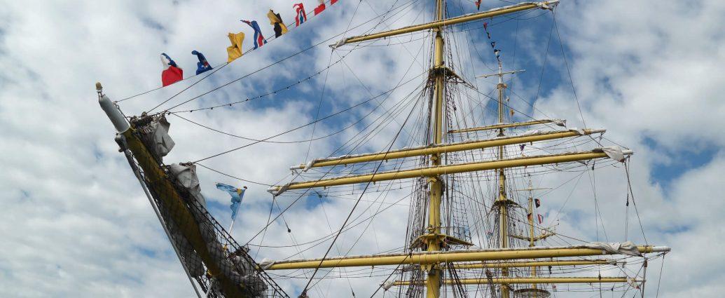 Schip in de haven van Wilhelmshaven