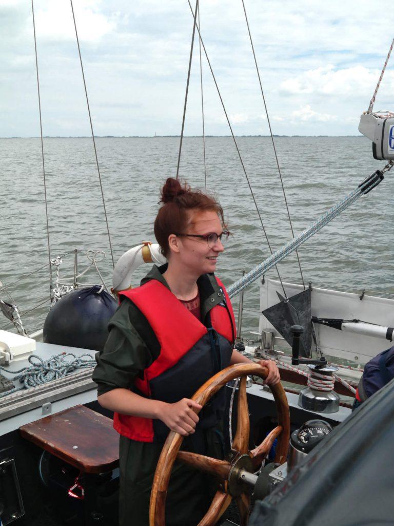 Zeilen op de Jadeboezem aan de Duitse Noordzeekust