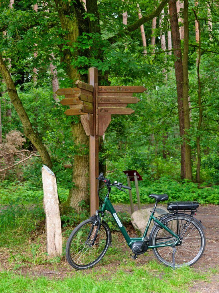 Drielandenpunt op fietsroute 'Von Tor zu Tor' in het Münsterland
